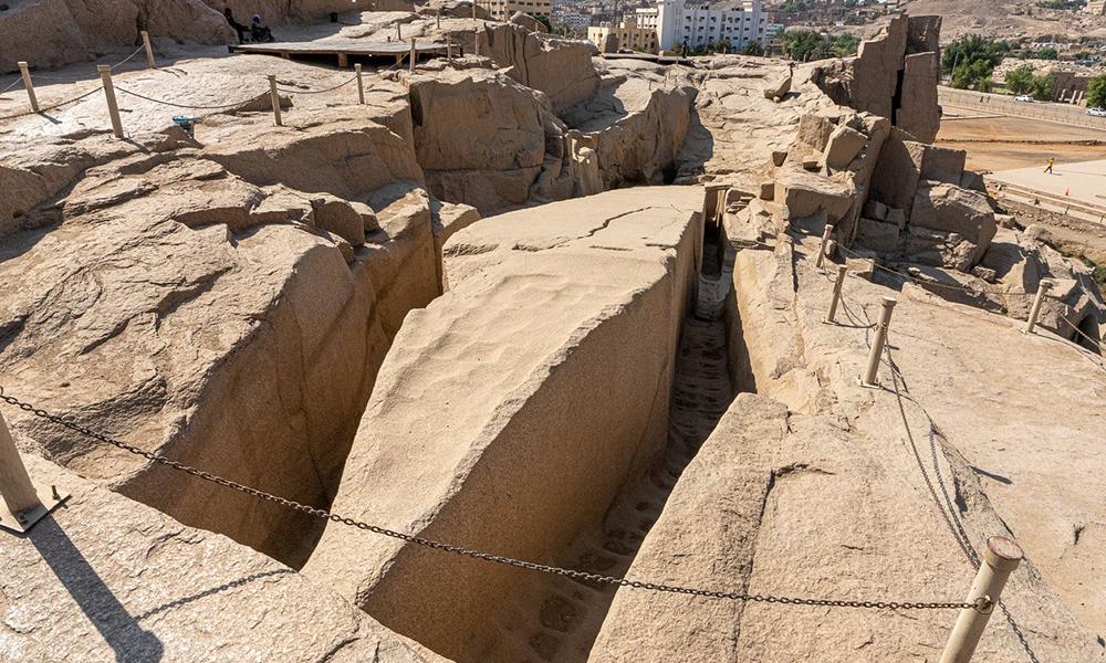 construction of the unfinished obelisk - egypt tours portal